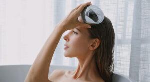 Dispozitiv pentru masajul scalpului iScalp Mini de la Breo Breo Care
